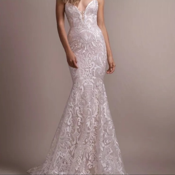 Hayley Paige Dresses & Skirts - Hayley Paige Elke Wedding Gown